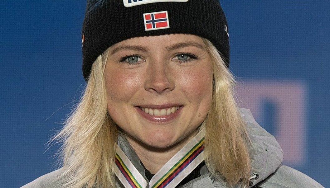 Maren Lundby har kjempet lenge for kvinners hopprettigheter, men hun var langt ifra den første kvinnen som fikk hoppe i Holmenkollen.