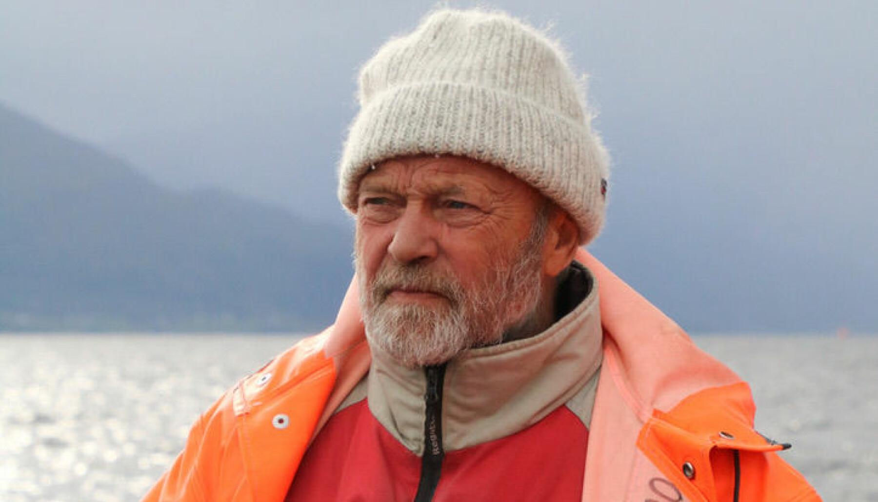 Båtliv; både padling og segling, har vore viktig for Ola Einang. Han vaks opp i fjøresteinane og har vore ein aktiv kar heilt frå han var gutunge.