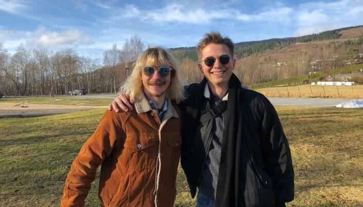 Studiekameratane Konrad Hjemli (t.v.) og Jakob Eiring haustar no prisar og nominasjonar for sitt bachelorprosjekt i animasjonsfilm.
