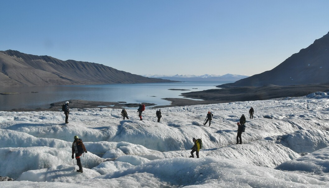 Heilt sidan 1981 har Ola Einang hatt kurs på Svalbard, dei siste 12 åra knytt til UiT. Men også det nordlegaste universitetet har 75-årsgrense.