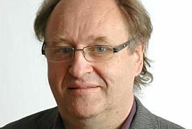 Professor ved UiB, Kjell Erik Lommerud, har regnet på hvor mye litt ekstra sommerferie faktisk vil koste i kroner og ører.