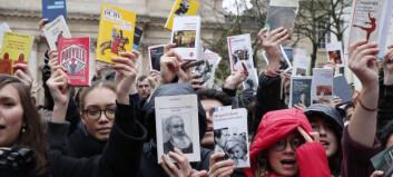 Fiktiv fransk protestforsker utfordrer «tellekanter», har publisert nær 200 artikler