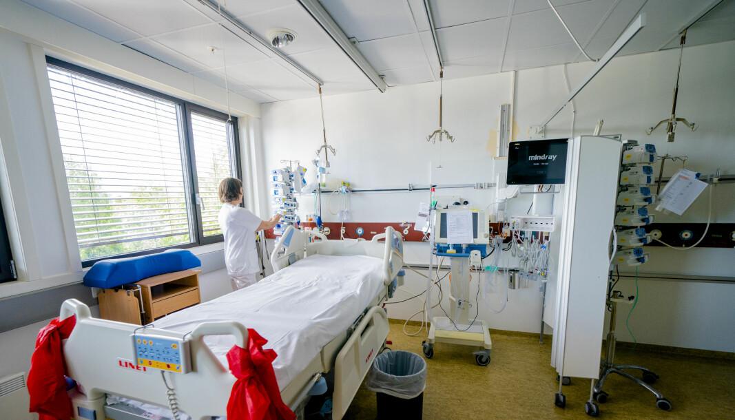 Kohortstuen til koronapasienter på intensivavdelingen ved Bærum sykehus. Sykehuset går mot en normalsituasjon etter å ha vært i høy koronaberedskap. Foto: Stian Lysberg Solum / NTB