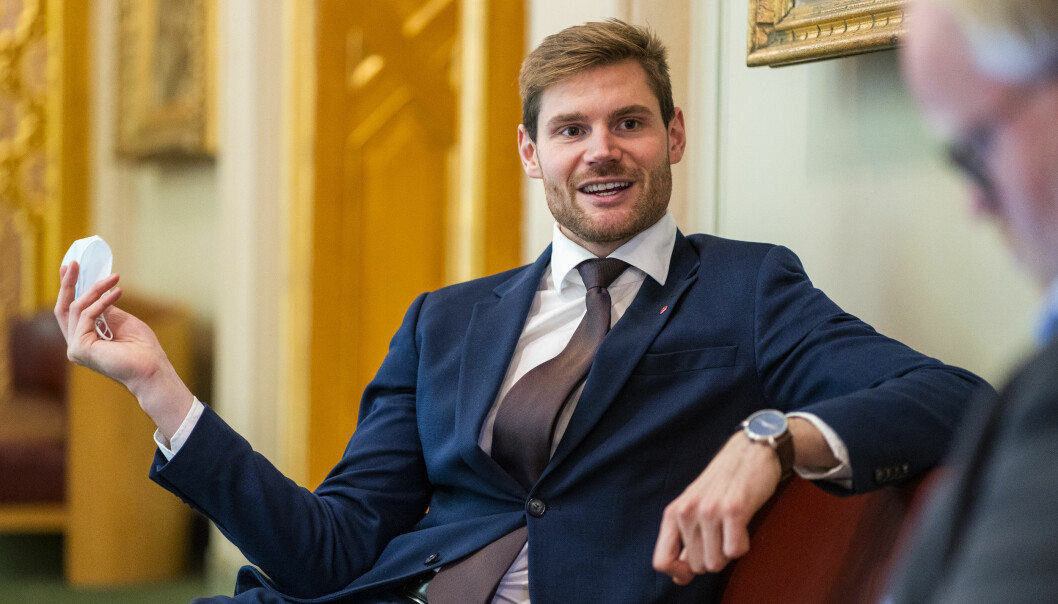 Nils Kristen Sandtrøen er landbrukspolitisk talsperson i Arbeiderpartiet. Han synes det er svært underlig at forslaget om aktivt å rekruttere sesongarbeidere blir nedstemt i Stortinget tordag.