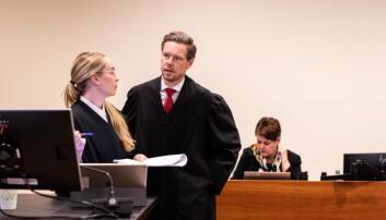 Regjeringsadvokat Torje Sunde er godt fornøyd med dommen fra Borgarting lagmannsrett. Her under ankesaken tidligere i vår, sammen med regjeringsadvokat Kaija Bjelland.