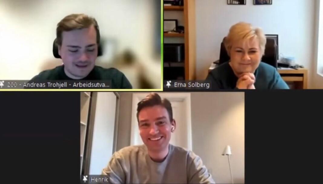 Andreas Trohjell, avtroppende leder av NSO, Erna Solberg, statsminister, og Henrik Asheim, kunnskaps- og høyere utdanningsminister under studentenes spørretime