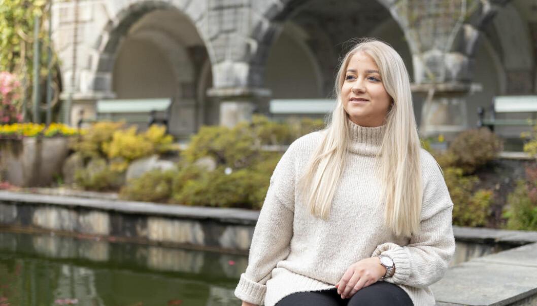 Venstrealliansen kritiserer studentparlamentsleder Sandra Krusmvik for å ha for mange hatter - og å ikke være tilstrekkelig bevisst om det.