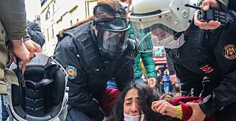 Studenter trues med fengsel etter å ha protestert