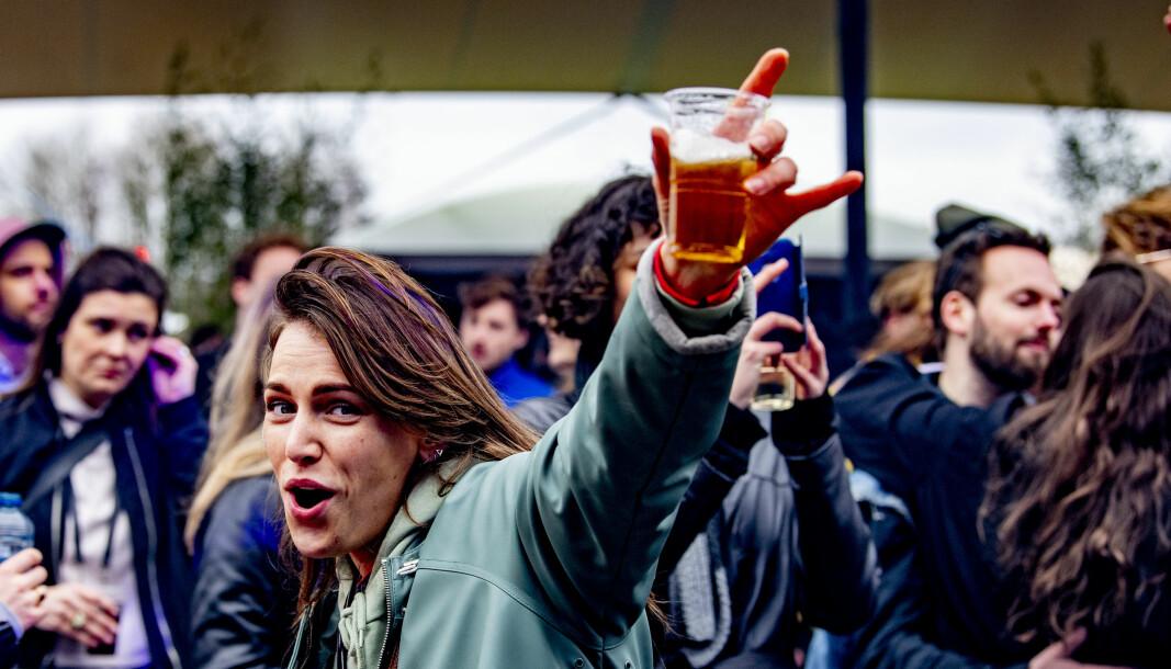 Full fest, men hva med forskningen? Fra en dansefestival i regi av Fieldlab i Biddinghuizen 20. mars.