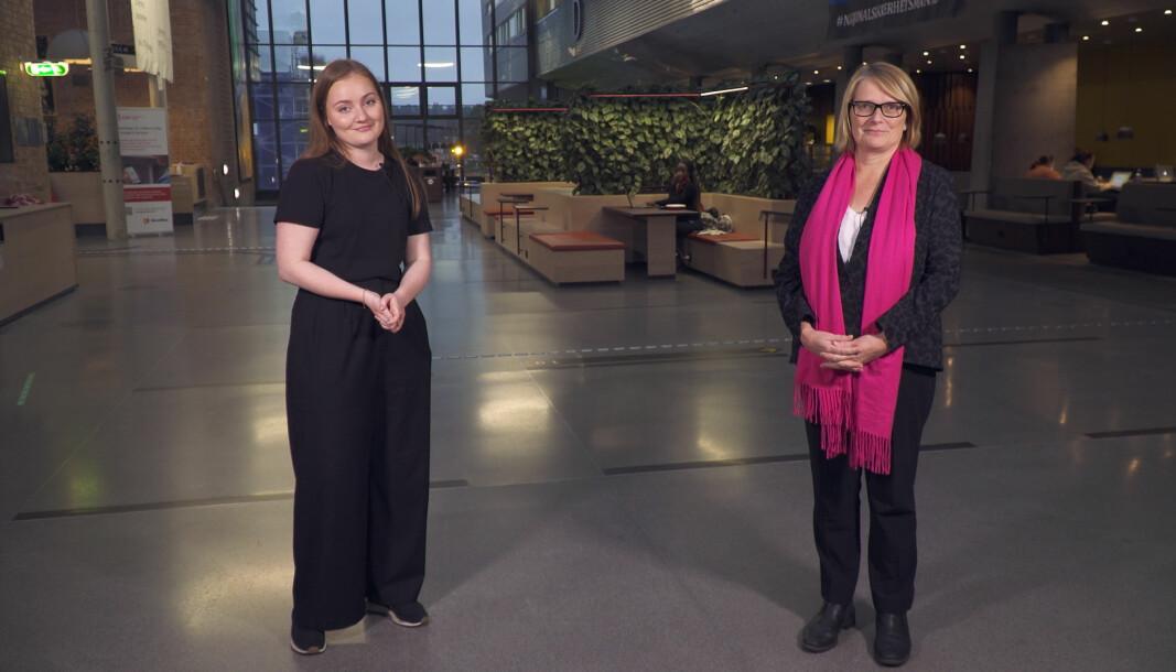 Rektor og styreleder Sunniva Whittaker ved Universitetet i Agder (t.h.), her sammen med studentleder Olea Norset.