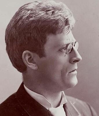 Knut Hamsun som forholdsvis ung mann. Forfattaren fekk eit langt liv.