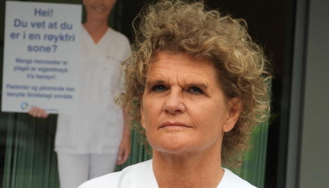 — Jeg frykter mange praktikere gir opp på grunn av dette, sier Cathrine Krøger, som utdannet seg til sykepleier i voksen alder.