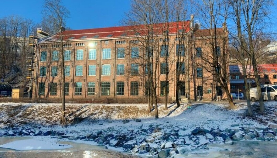 Dette gamle spinneriet, Væveri B som ifølgje Aftenposten husa 742 arbeidskvinner i 1909 i Nydalen i Oslo, har blitt totalrenovert og gjort om til 75 studentbustader.