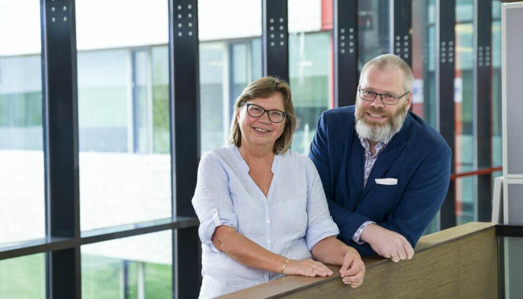 Førsteamanuensis John Arngrim Hunnes og førstelektor Torunn Skåltveit Olsen ved Handelshøyskolen ved UiA har begge fått status som meritterte undervisere.