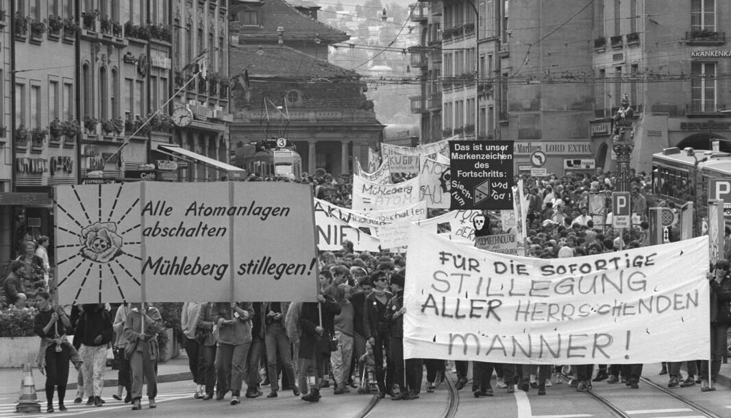 Kjernekraft er et betent tema, og engasjerte spesielt mange etter Tsjernobyl-ulykken i 1986. Her fra en demonstrasjon i Bern, 30. august 1986.