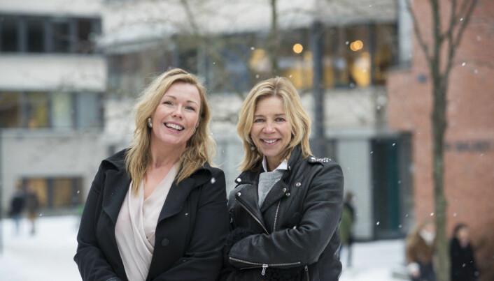 Christin Kristoffersen (til venstre) og Nina Waaler . Bildet ble tatt i 2018 da Kristoffersen ble ansatt som direktør i Studiesenteret.no