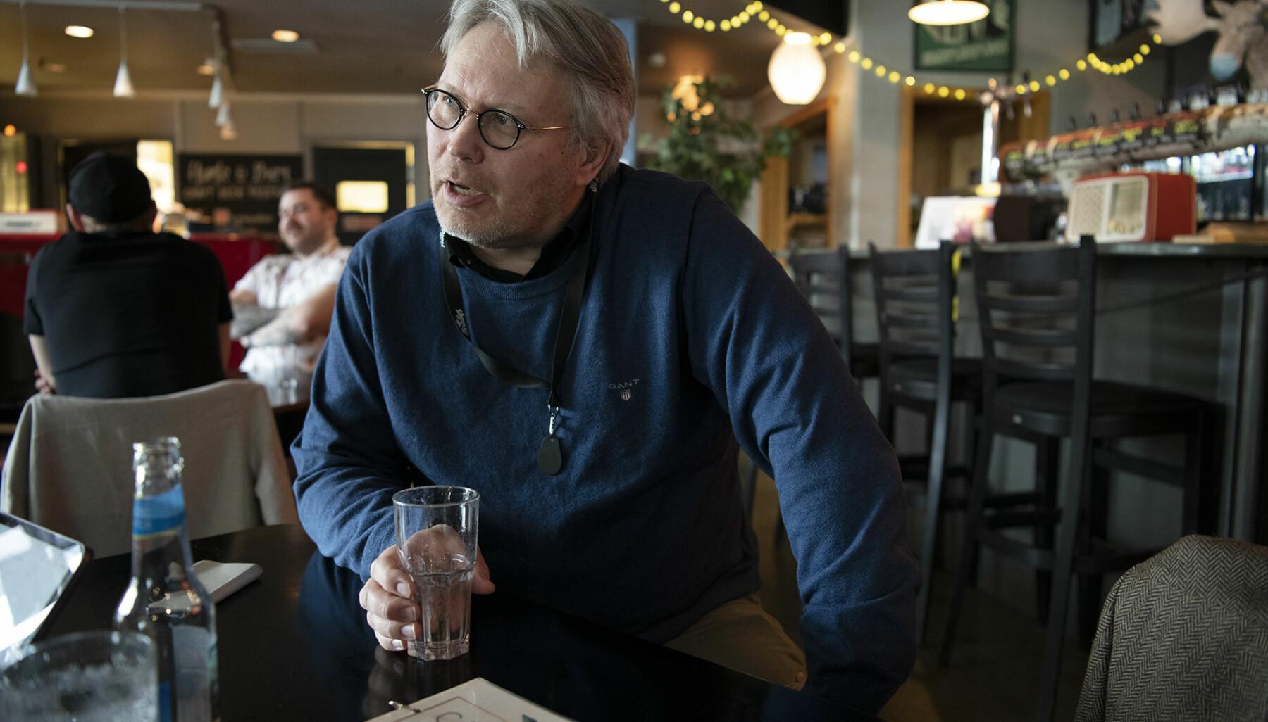 — Dag Rune Olsen kommer til å bli tatt veldig godt imot i Tromsø. Så får han heller bli holdt i ørene når det gjelder regnskap, økonomi og denslags, humrer Skjalg Fjellheim, politisk redaktør i avisen Nordlys.