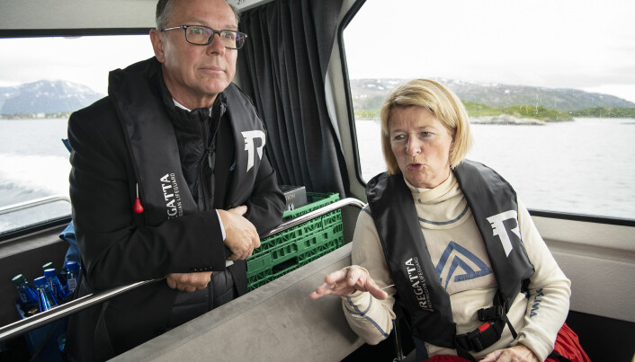 Avtroppende rektor Anne Husebekk ved UiT, her på tur sammen med påtroppende Dag Rune Olsen.