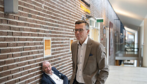 UiT-rektor Dag Rune Olsen og rådgiver Roger Ingebrigtsen i bakgrunnen.