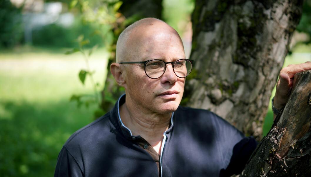 — Kommunikasjon og etikk bortforklares ofte som folkeskikk, eller noe allmennmenneskelig som ikke har med medisin som fag å gjøre, soer professor emeritus ved UiO, Per Nortvedt.