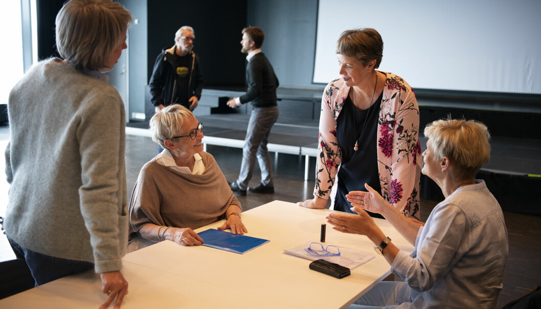Avtroppende styreleder Vigdis Moe Skarstein (t.v.), rektor Hanne Solheim Hansen og avtroppende nestleder Bjørg Tørresdal til høyre under styrets oppsummering i Bodø onsdag denne uka.
