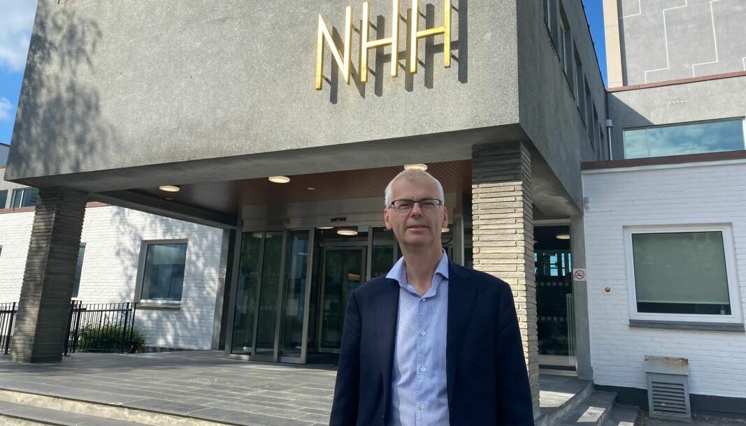 NHH-rektor Øystein Thøgersen får tre nye prorektorer fra 1. august, i tillegg til ny direktør og ny styreleder.