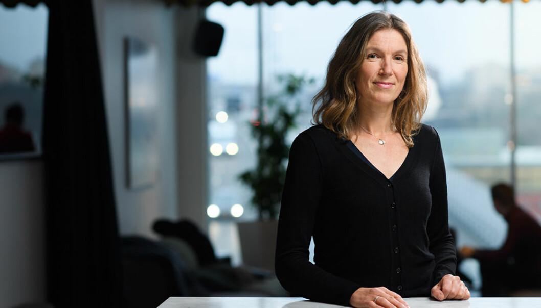 — En stadig lavere andel av midlene går direkte til lærestedene, det gjør at avhengigheten deres av eksterne midler øker hele tiden, sier Karin Åmossa.