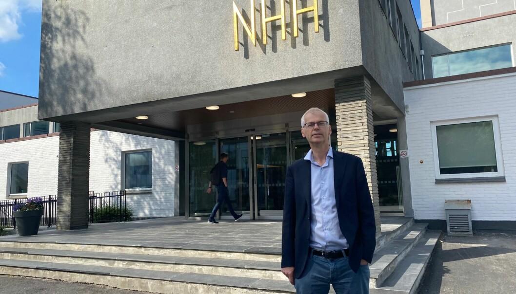 Rektor Øystein Thøgersen kan konstatere at NHH er best i Norge på siviløkonomutdanning. BI følger hakk i hæl, ifølge den ferske FT-rangeringen over Masters in Management.
