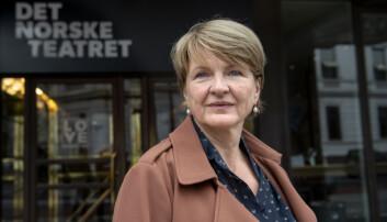 Nina Refseth vaks opp som bokmålsbrukar, men gjennom jobb i Universitetsforlaget, Samlaget og styreleiarverv i Det norske teatret har ho konvertert til nynorsk som hovudmål.