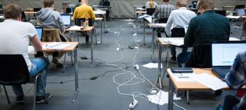Svarteper med studenter som innsats