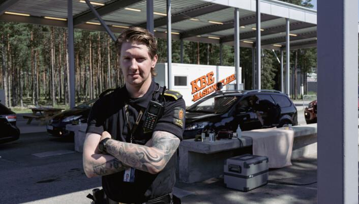 Sondre Estensen er tollinspektør ved Kongsvinger tollsted. Her på Magnormoen ved Svenskegrensa.