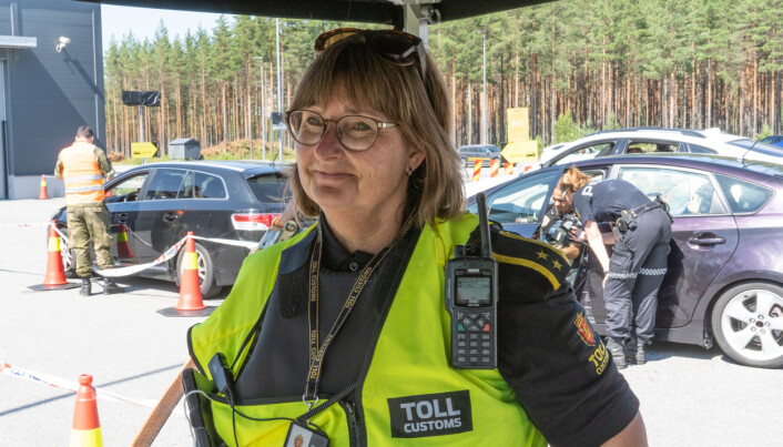 Nina Mellum er førstetollinspektør ved Kongsvinger tollsted. Her på Magnormoen kontrollstasjon.