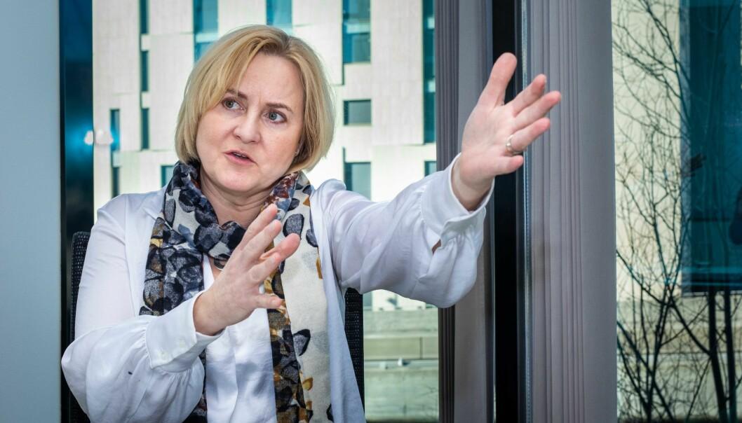 Utvalget for den nye Universitets- og høyskoleloven ble ledet av Helga Aune (bildet). Førsteamanuensis ved UiA, Stine Øyna, mener skillet mellom fusk og slurv ikke er tilstrekkelig definert i loven.