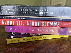 Her er noen av bøkene Margareth Hagen håper hun får lest i sommer.