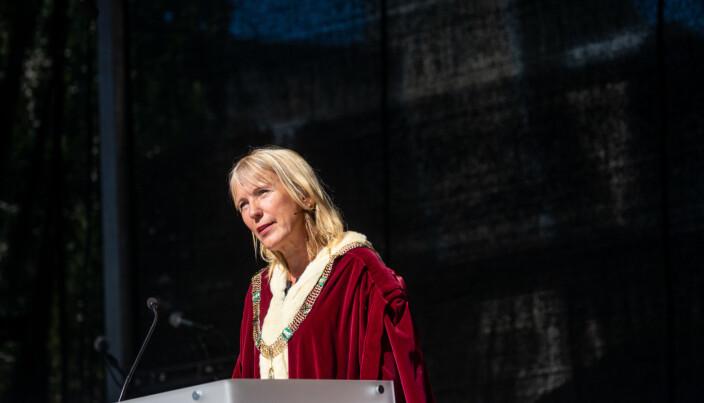 Rektor ved UiB Margareth Hagen takket studentene for å ha valgt nettopp UiB.