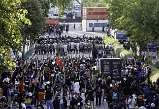 Thailand og Malaysia kutter studieavgift etter protester