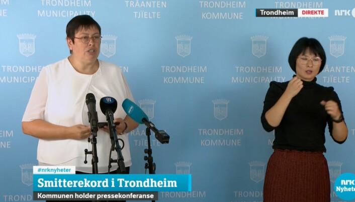 Ordfører Rita Ottervik (Ap) sa at Trondheim kommune er nødt til å være strengere i tonen enn hva regjeringen legger opp til.