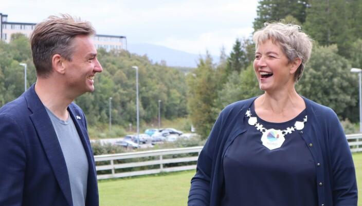 Rektor Hanne Solheim Hansen har grunn til å smile i dag. — Vi er klare, og gleder oss til å komme i gang med byggingen av Blått bygg, sier Hansen i en kommentar.