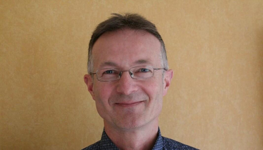 Svein Ølnes underviser i Bitcoin.