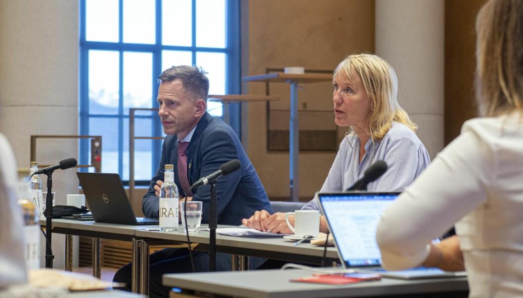 Det er viktig for universitetsledelsen å få ro i saken, sa rektor og styreleder Margareth Hagen. Universitetsdirektør Robert Rastad la ikke skjul på at Sars-senteret er en krevende, og også tidkrevende, sak.