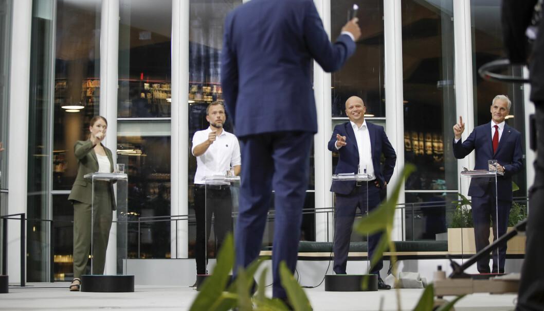 Partilederne Une Bastholm (MDG), Audun Lysbakken (SV), Trygve Slagsvold Vedum (Sp) og Jonas Gahr Stre (Ap)under TV2s partilederdebatt onsdag kveld, hvor skolepolitikk ble diskutert.Foto: Javad Parsa / NTB