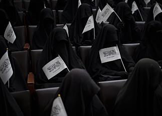 Kvinnelige studenter i Kabul markerte støtte til Taliban