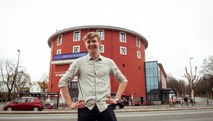 Fredrik Akre er strålende fornøyd for gjenåpningen.