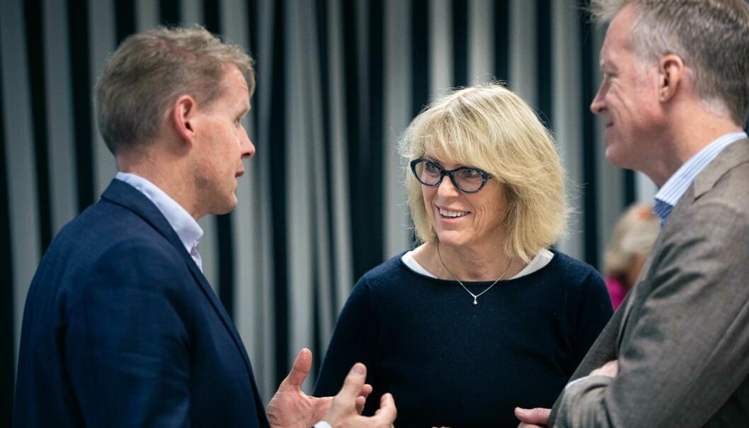 Hanne Refsholt og Curt Rice ledet sitt første styremøte. Hers ammen med universitetsdirektør Lars Atle Holm.
