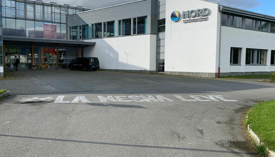 Nord universitets campus på Nesna er under avvikling, og vedtatt nedlagt. Men mange i bygda, og også blant politikerne, kjemper for fortsatt drift.