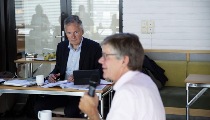 Universitetsdirektør Arne Benjaminsen og rektor Svein Stølen har satt i gang en revidering av universitetets retningslinjer for hvordan de best skal ivareta ansatte som blir utsatt for hets og trusler.