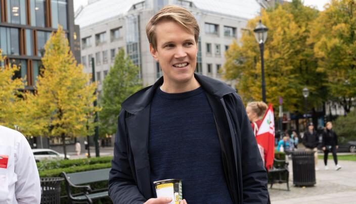 Torstein Tvedt Solberg med nuddelkopp fra NSO.