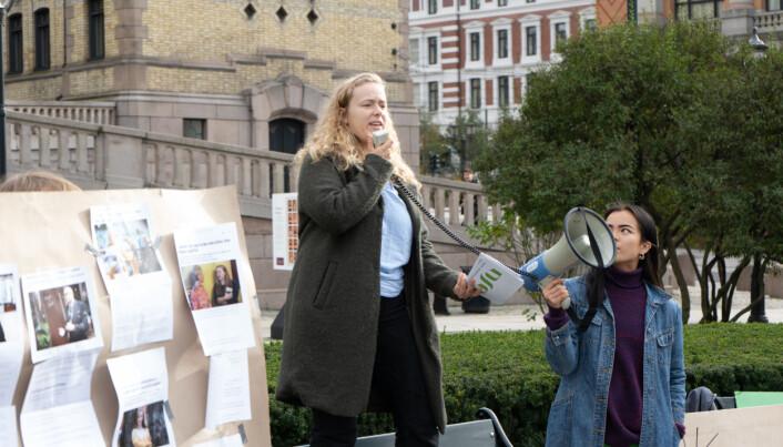 Tuva Todnem Lund leder NSO. Her er hun i aksjon for å sette fokus på studiestøtten.