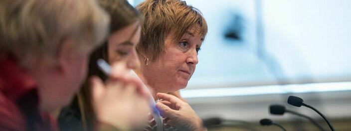 Professor og «bondekone» forsvarer Ola Borten Moe mot en «snobbete sektor»